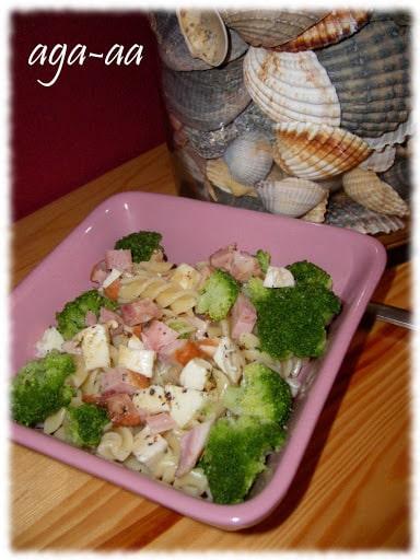 makaron z brokulami i serem