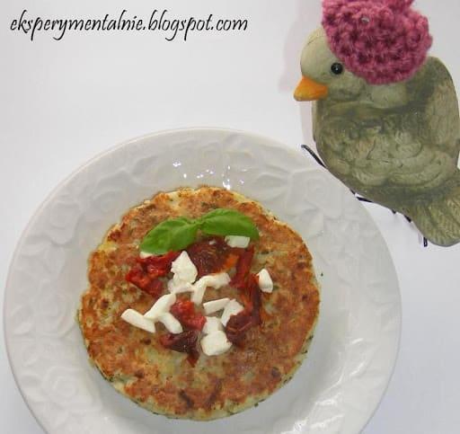 Placek ziemniaczany z fetą i suszonymi pomidorami