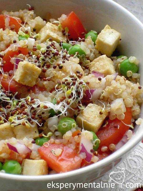 quinoa z tofu