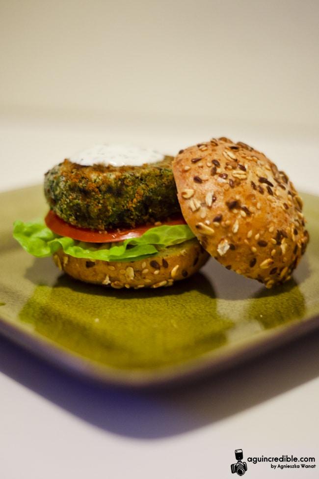 domowe burgery z ciecierzycy