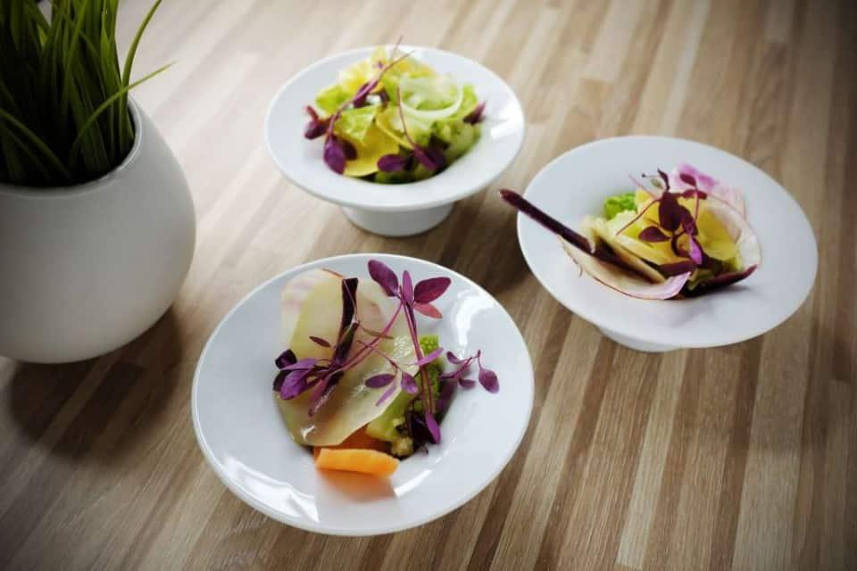 sałatka z blanszowanych warzyw