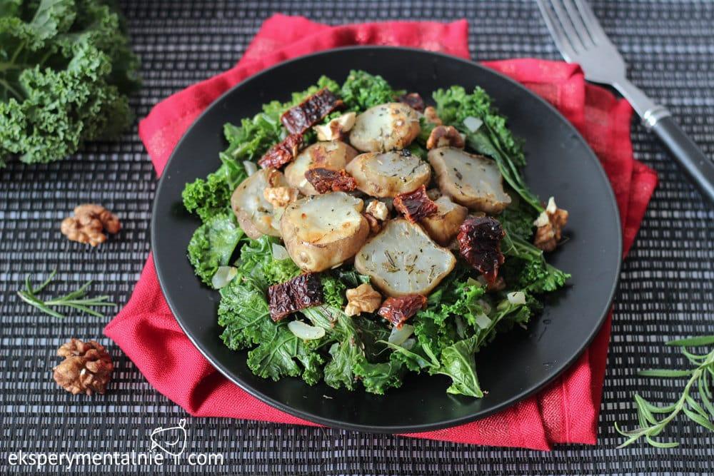 Salatka z jarmużem i topinamburem