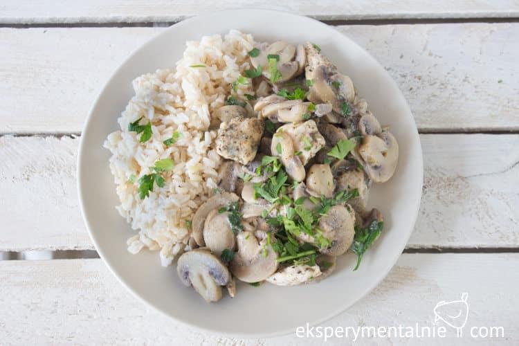 kurczak z pieczarkami i ryżem