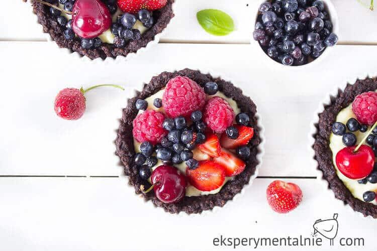 budyń jaglany i tarta z owocami