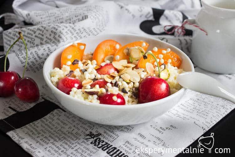 kasza jaglana na słodko z owocami na śniadanie