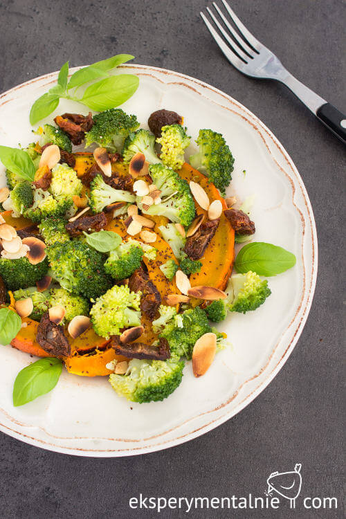 sałatka z dyni i brokułów