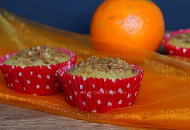 Muffiny pomarańczowe z orzechami